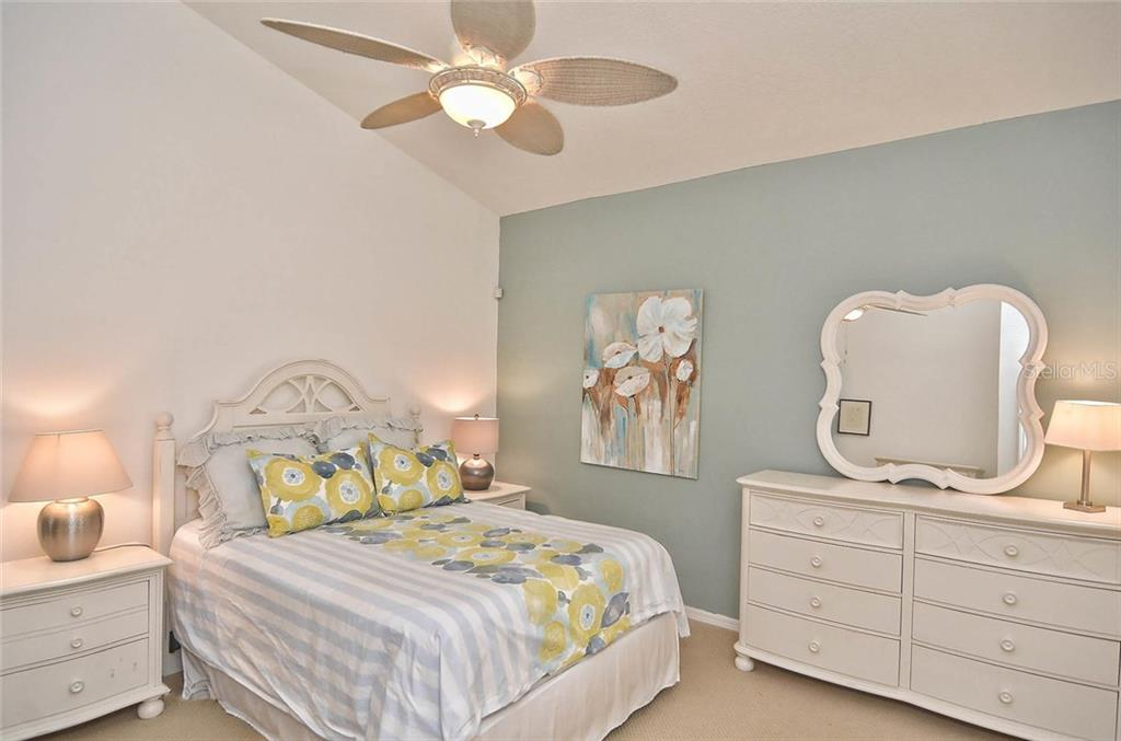 Master bedroom - Single Family Home for sale at 498 Meadow Sweet Cir, Osprey, FL 34229 - MLS Number is N5914789