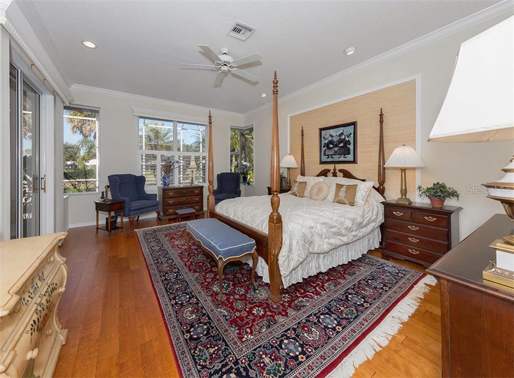 Master Bedroom - Single Family Home for sale at 329 Venice Golf Club Dr, Venice, FL 34292 - MLS Number is N5915275