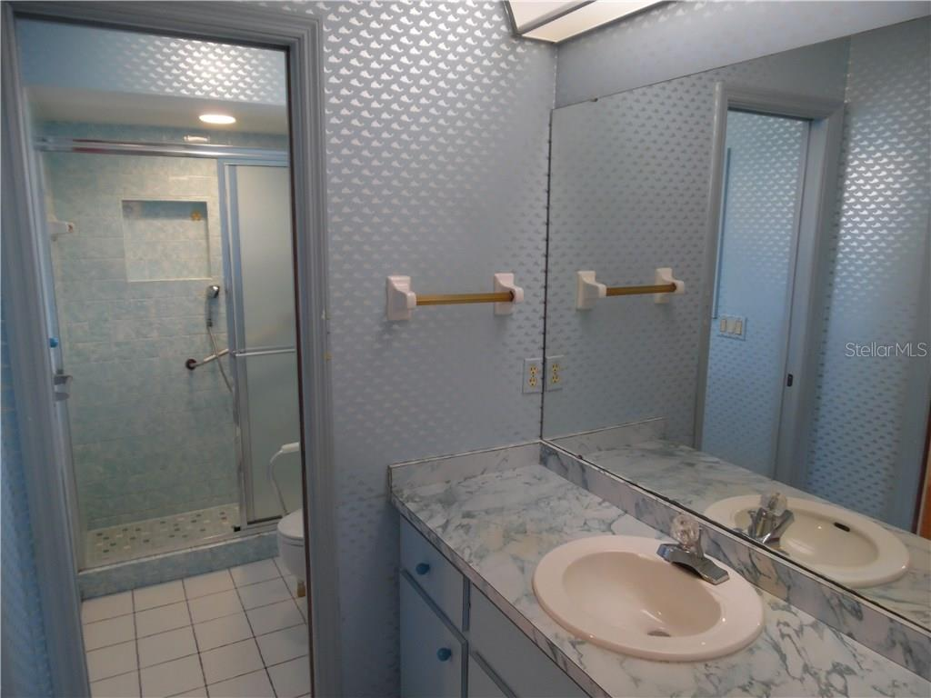 master bath room - Single Family Home for sale at 441 Baynard Dr, Venice, FL 34285 - MLS Number is N5915507