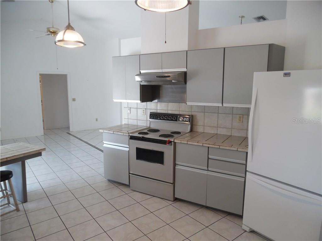 kitchen - Single Family Home for sale at 441 Baynard Dr, Venice, FL 34285 - MLS Number is N5915507