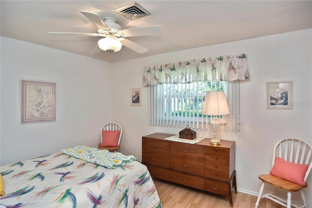 Living room - Condo for sale at 139 Field Ave E #139, Venice, FL 34285 - MLS Number is N5915558