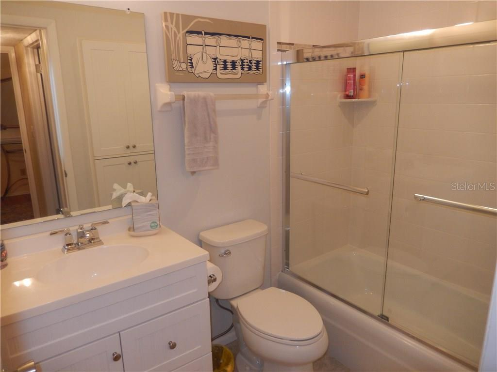 Guest bathroom has been updated too! - Condo for sale at 500 The Esplanade N #102, Venice, FL 34285 - MLS Number is N5915924