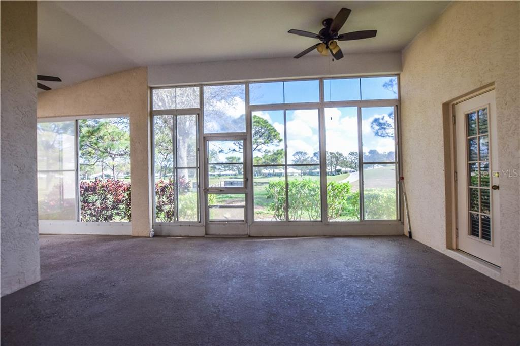 Single Family Home for sale at 208 Wetherby St, Venice, FL 34293 - MLS Number is N5916020