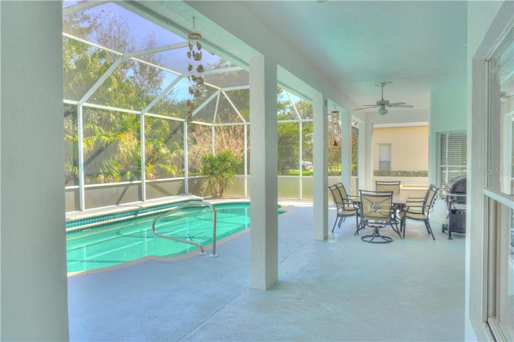 Single Family Home for sale at 475 Fairway Isles Dr, Venice, FL 34285 - MLS Number is N5916409