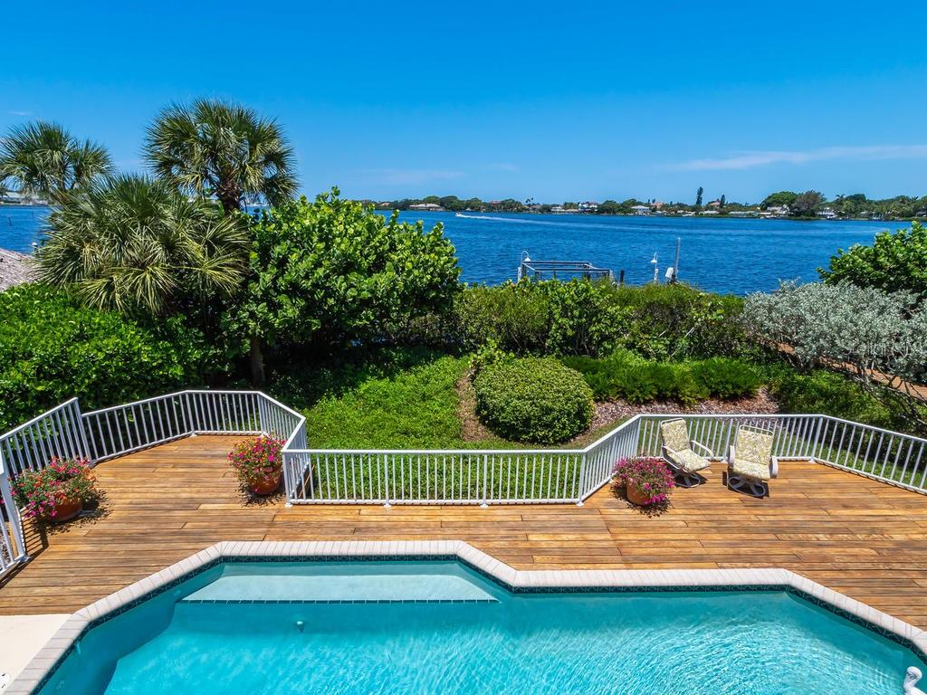 Pool/deck - Single Family Home for sale at 743 Eagle Point Dr, Venice, FL 34285 - MLS Number is N6101092