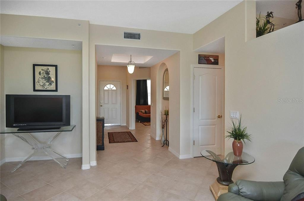 New Supplement - Condo for sale at 940 Cooper St #202, Venice, FL 34285 - MLS Number is N6101184