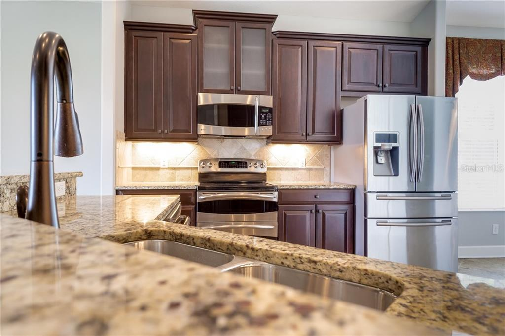 Breakfast Bar - Single Family Home for sale at 2290 Terracina Dr, Venice, FL 34292 - MLS Number is N6101301