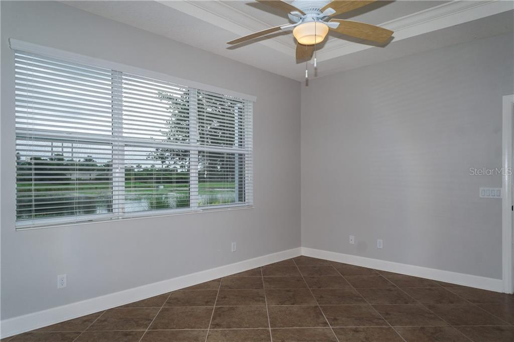 Master Bedroom has Trey Ceilings & Crown Molding - Single Family Home for sale at 2290 Terracina Dr, Venice, FL 34292 - MLS Number is N6101301
