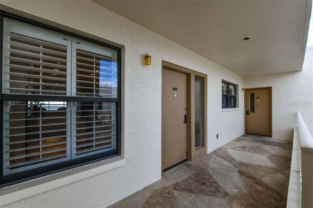 UNIT #505, HAS SHUTTERS ON BOTH THE KITCHEN AND BEDROOM WINDOWS - Condo for sale at 5740 Midnight Pass Rd #505 F, Sarasota, FL 34242 - MLS Number is N6102195