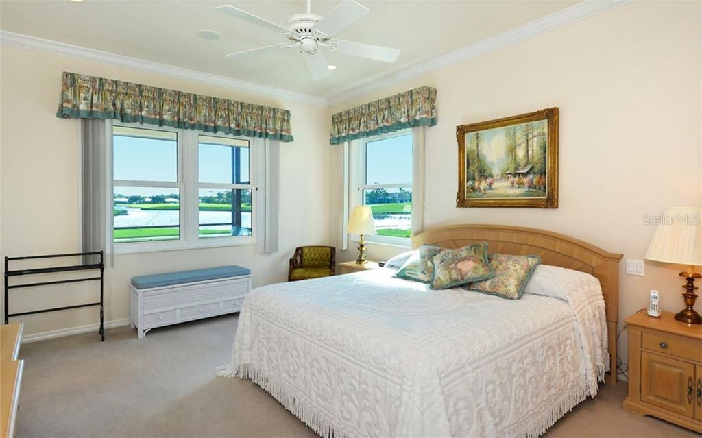 Master bedroom - Single Family Home for sale at 979 Chickadee Dr, Venice, FL 34285 - MLS Number is N6102266