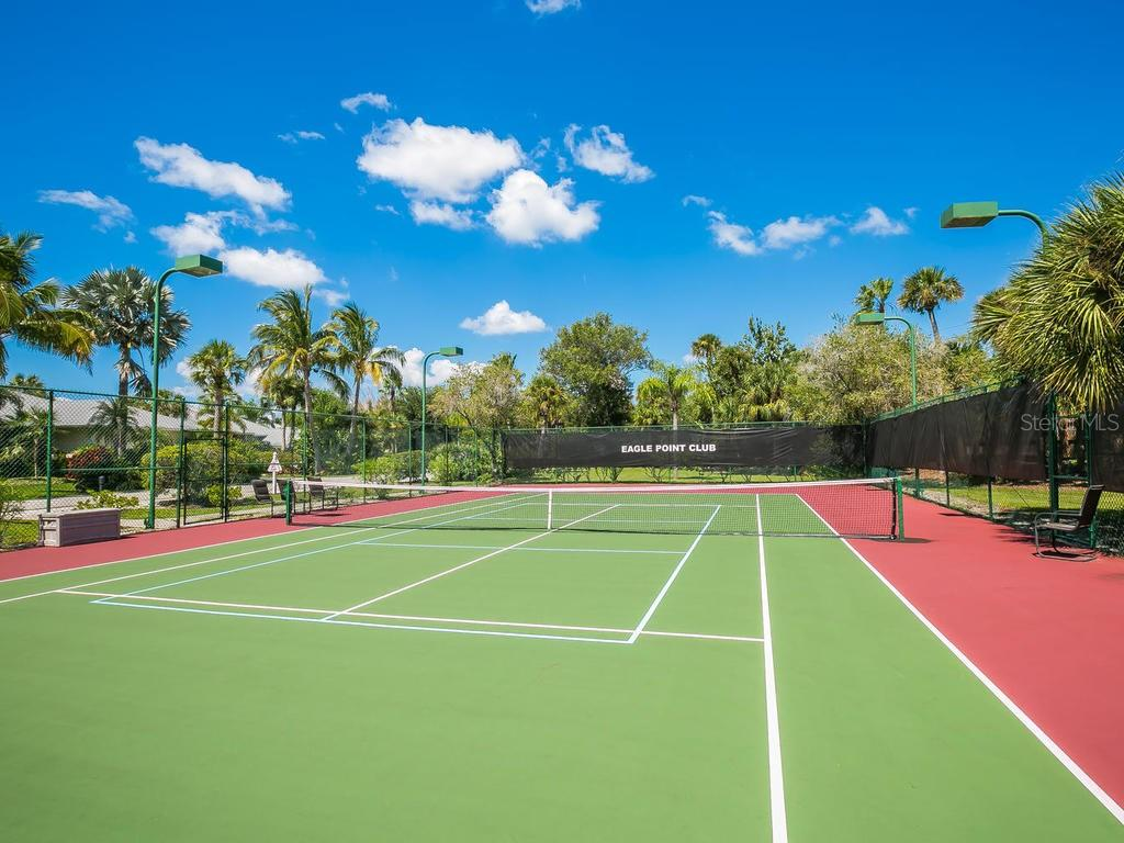Tennis - Single Family Home for sale at 732 Eagle Point Dr, Venice, FL 34285 - MLS Number is N6102366