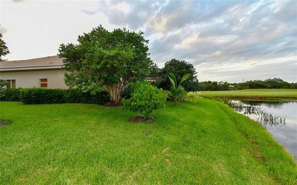 Opposite side lot view - Single Family Home for sale at 820 Adonis Pl, Venice, FL 34292 - MLS Number is N6102472