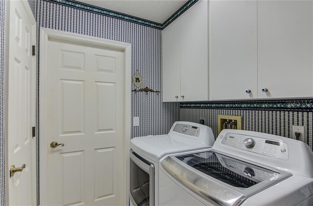 Laundry - Single Family Home for sale at 531 Pennyroyal Pl, Venice, FL 34293 - MLS Number is N6103229