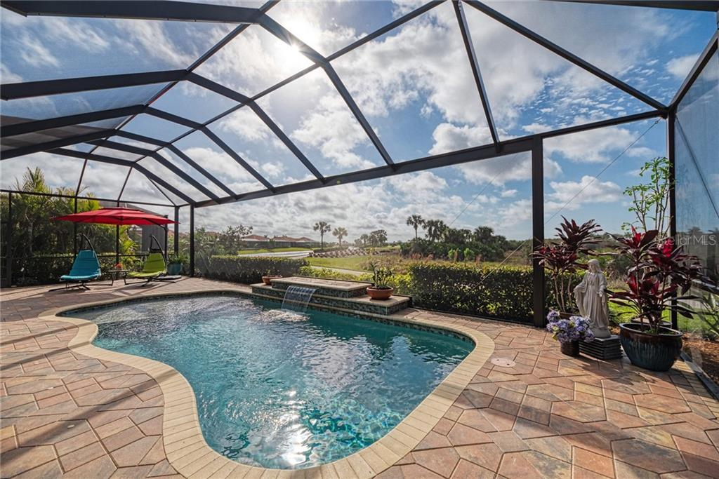 Single Family Home for sale at 10724 Ironbridge Dr, Venice, FL 34293 - MLS Number is N6104279