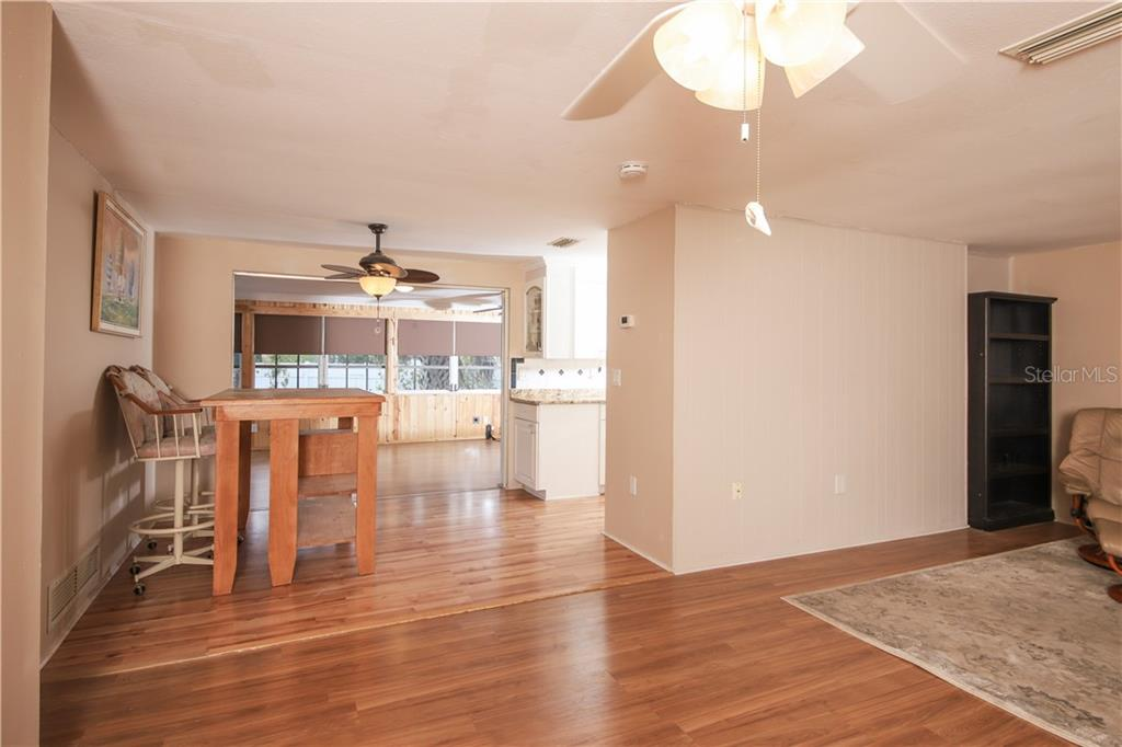 Eat in Kitchen Area - Single Family Home for sale at 41 Caroll Cir, Englewood, FL 34223 - MLS Number is N6104860
