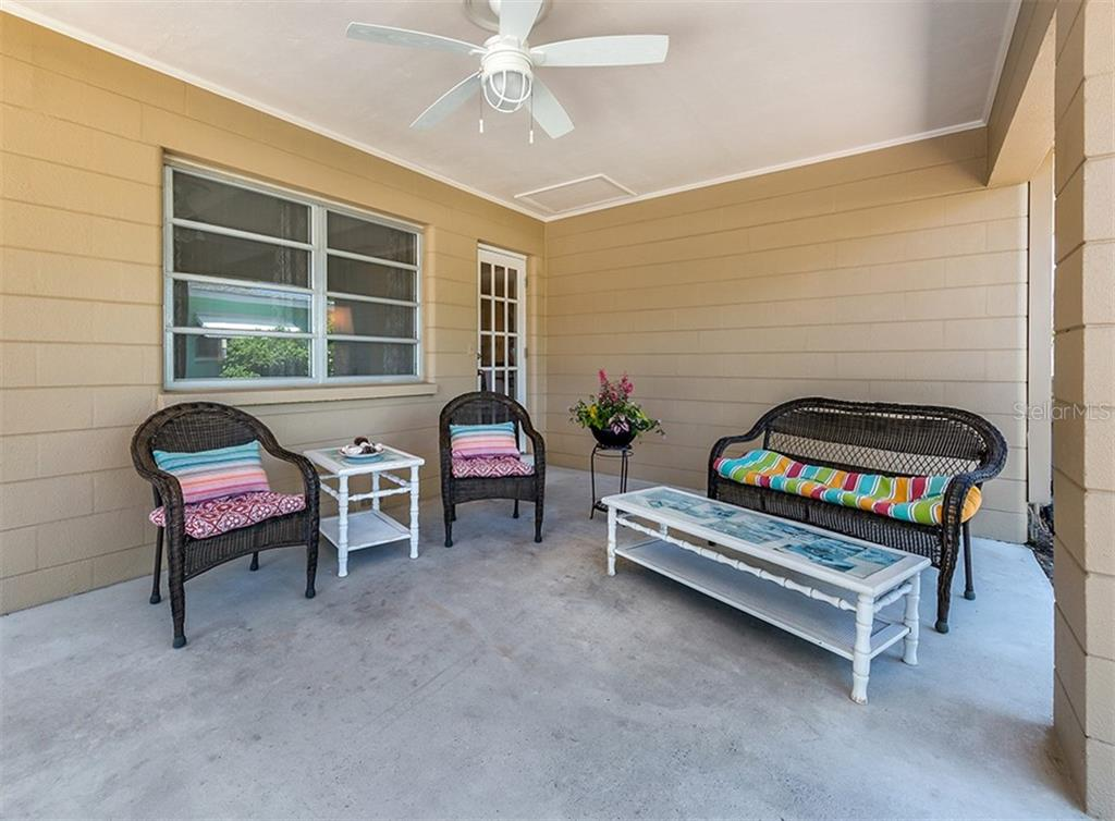 Single Family Home for sale at 109 Alba St W, Venice, FL 34285 - MLS Number is N6105330