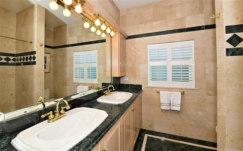 Bathroom - Single Family Home for sale at 412 Hunter Dr, Venice, FL 34285 - MLS Number is N6105563