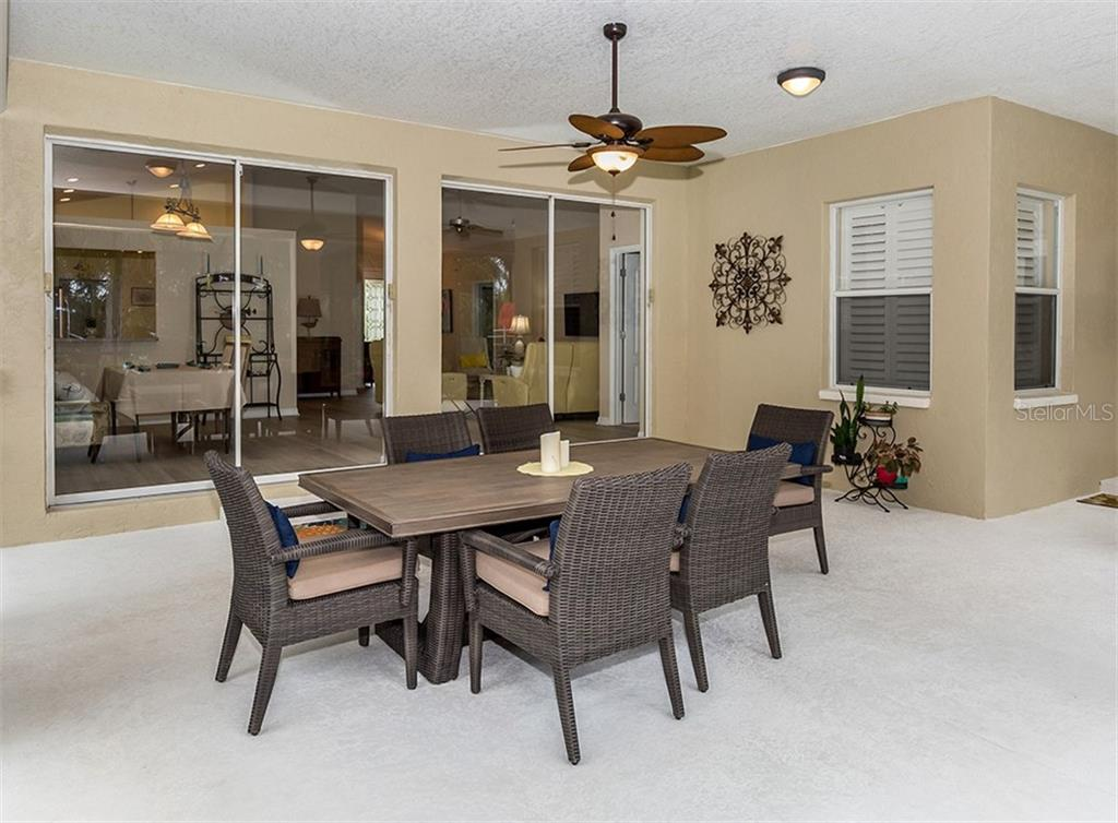 Lanai - Single Family Home for sale at 836 Connemara Cir, Venice, FL 34292 - MLS Number is N6105684