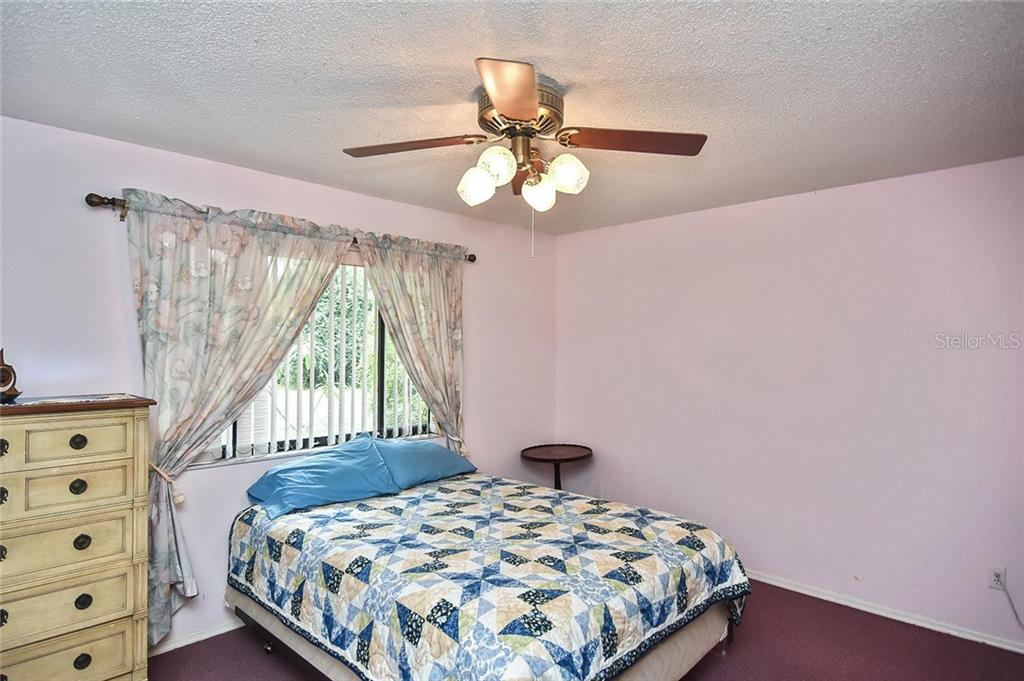 Master bedroom - Single Family Home for sale at 125 Palm Ave E, Nokomis, FL 34275 - MLS Number is N6105973