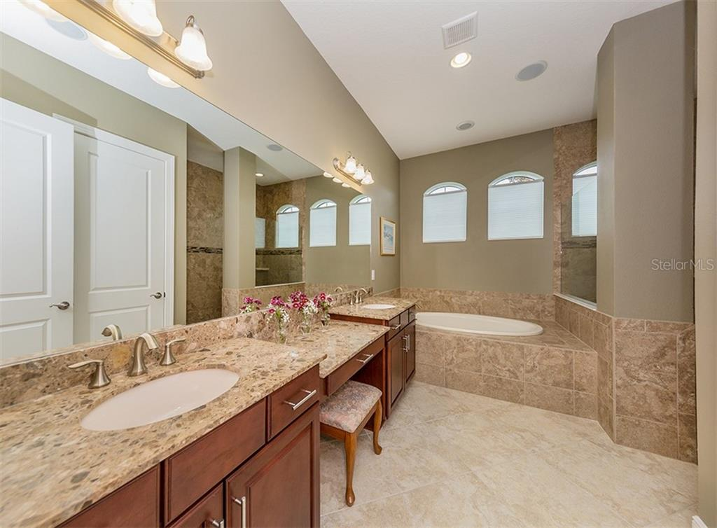 Master bathroom - Single Family Home for sale at 189 Portofino Dr, North Venice, FL 34275 - MLS Number is N6106071