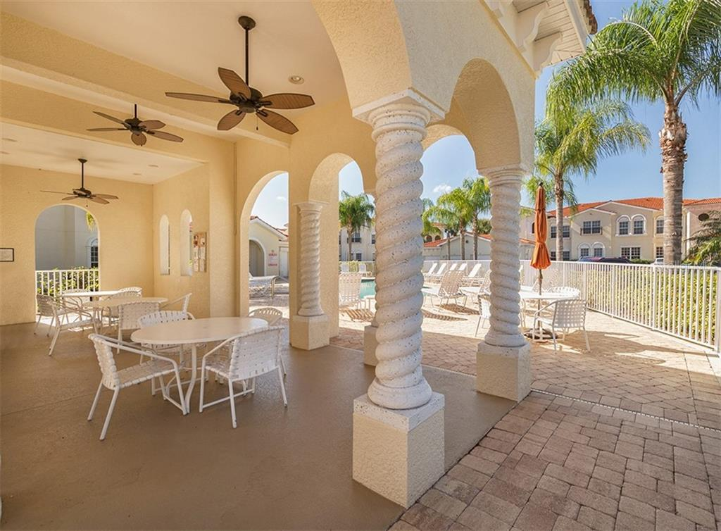 Pool area - Condo for sale at 806 Ravinia Cir #806, Venice, FL 34292 - MLS Number is N6106331