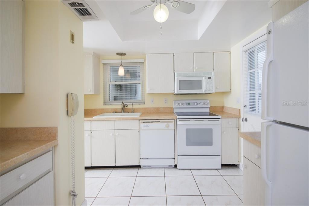 Single Family Home for sale at 2327 Terry Ln, Sarasota, FL 34231 - MLS Number is N6106643