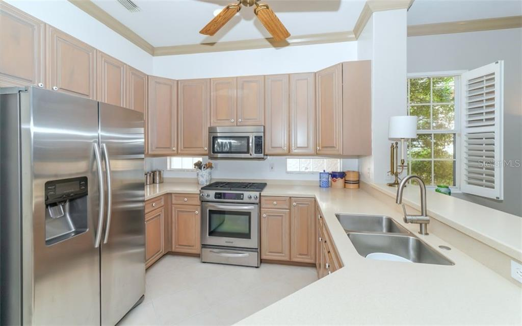 Kitchen - Single Family Home for sale at 226 Rio Terra, Venice, FL 34285 - MLS Number is N6107320