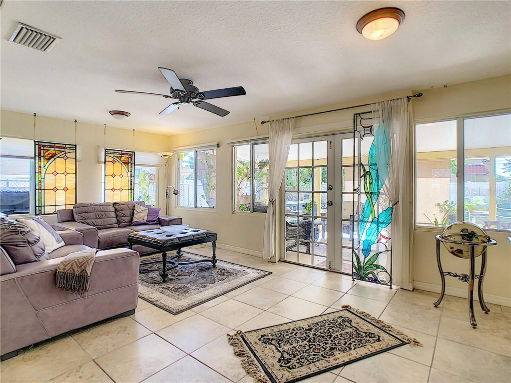 Single Family Home for sale at 812 Guild Dr, Venice, FL 34285 - MLS Number is N6108421