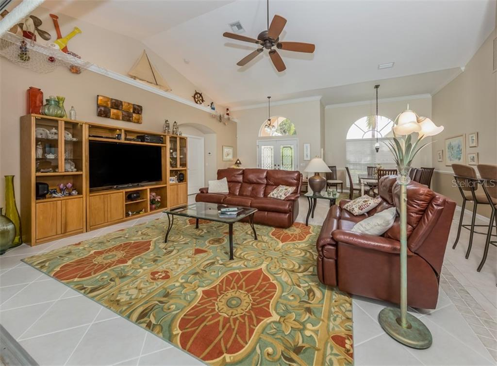 Living room - Single Family Home for sale at 4994 Laurel Hill Dr, Venice, FL 34293 - MLS Number is N6109034