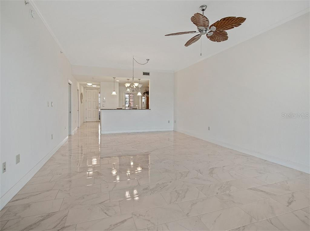 Condo for sale at 147 Tampa Ave E #202, Venice, FL 34285 - MLS Number is N6110045