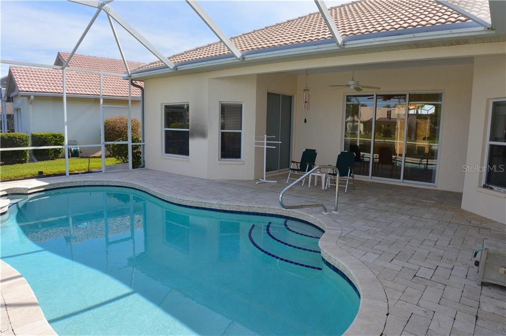Pool/lanai - Single Family Home for sale at 413 Pebble Creek Ct, Venice, FL 34285 - MLS Number is N6110166