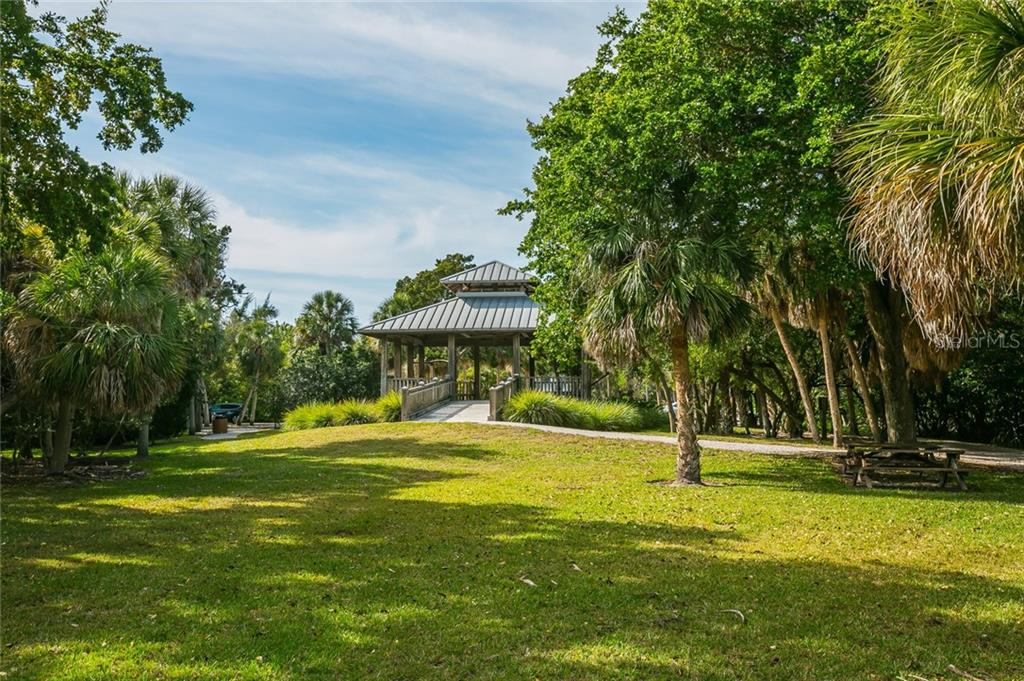 Single Family Home for sale at 510 Bowsprit Ln, Longboat Key, FL 34228 - MLS Number is N6110334