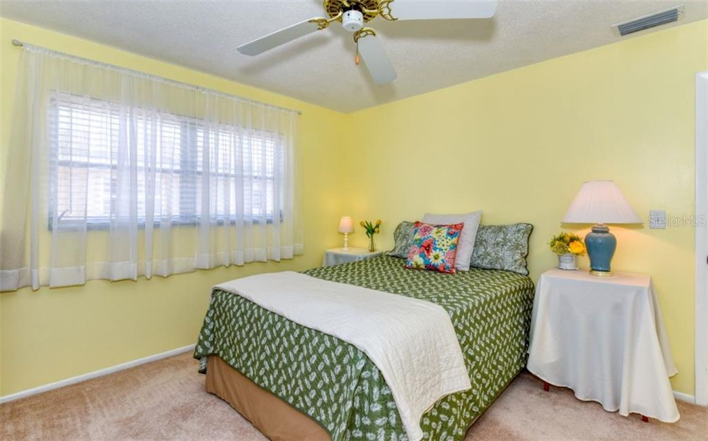 Bedroom - Single Family Home for sale at 404 Gulf Breeze Blvd, Venice, FL 34293 - MLS Number is N6110481