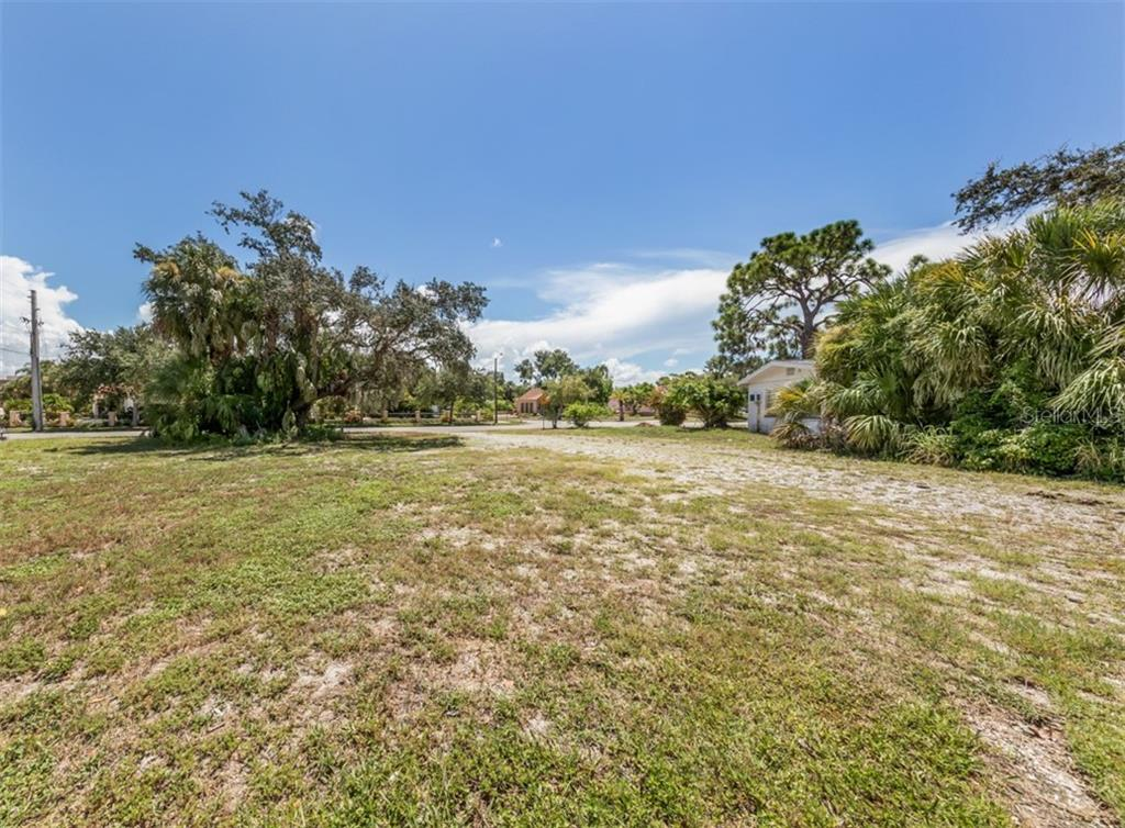 Cleared, level lot - Vacant Land for sale at 230 Nassau St S, Venice, FL 34285 - MLS Number is N6111555