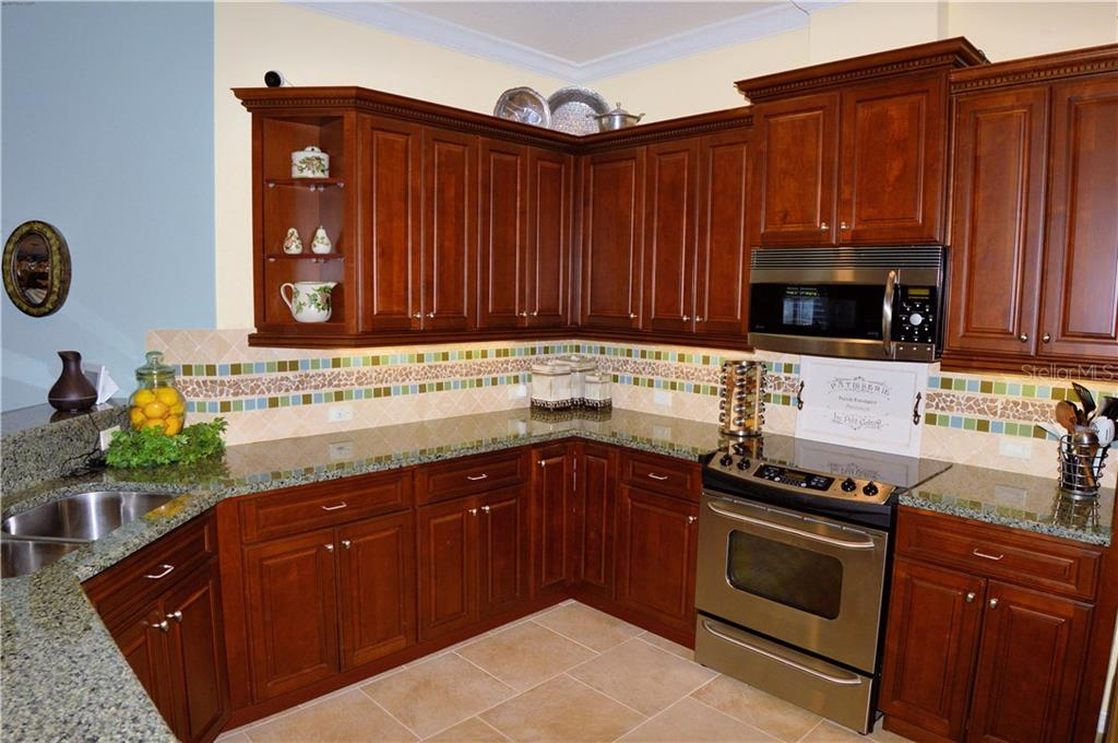 Kitchen - Villa for sale at 20117 Tesoro Dr, Venice, FL 34293 - MLS Number is N6111641