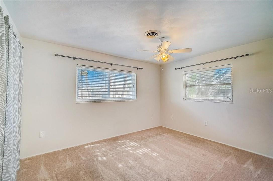 Bedroom - Single Family Home for sale at 552 Sheridan Dr, Venice, FL 34293 - MLS Number is N6114525