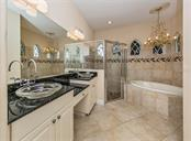 Master bathroom - Single Family Home for sale at 106 Vicenza Way, North Venice, FL 34275 - MLS Number is N6106168
