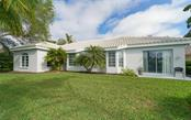 Single Family Home for sale at 414 Fieldstone Dr, Venice, FL 34292 - MLS Number is N6114416