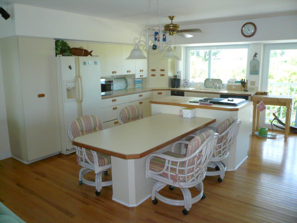 Additional photo for property listing at 170 Kettle Harbor Dr 170 Kettle Harbor Dr Placida, Florida,33946 États-Unis