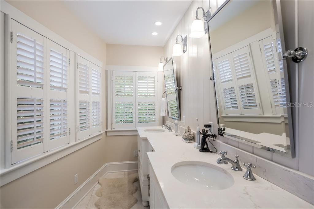 Master bath - Single Family Home for sale at 350 Tarpon Ave, Boca Grande, FL 33921 - MLS Number is D6104230
