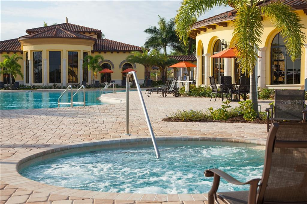 Single Family Home for sale at 12881 Cinqueterre Dr, Venice, FL 34293 - MLS Number is T3162974