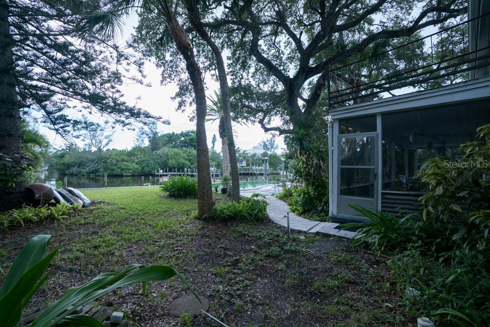 Single Family Home for sale at 3800 Flamingo Ave, Sarasota, FL 34242 - MLS Number is T3185666
