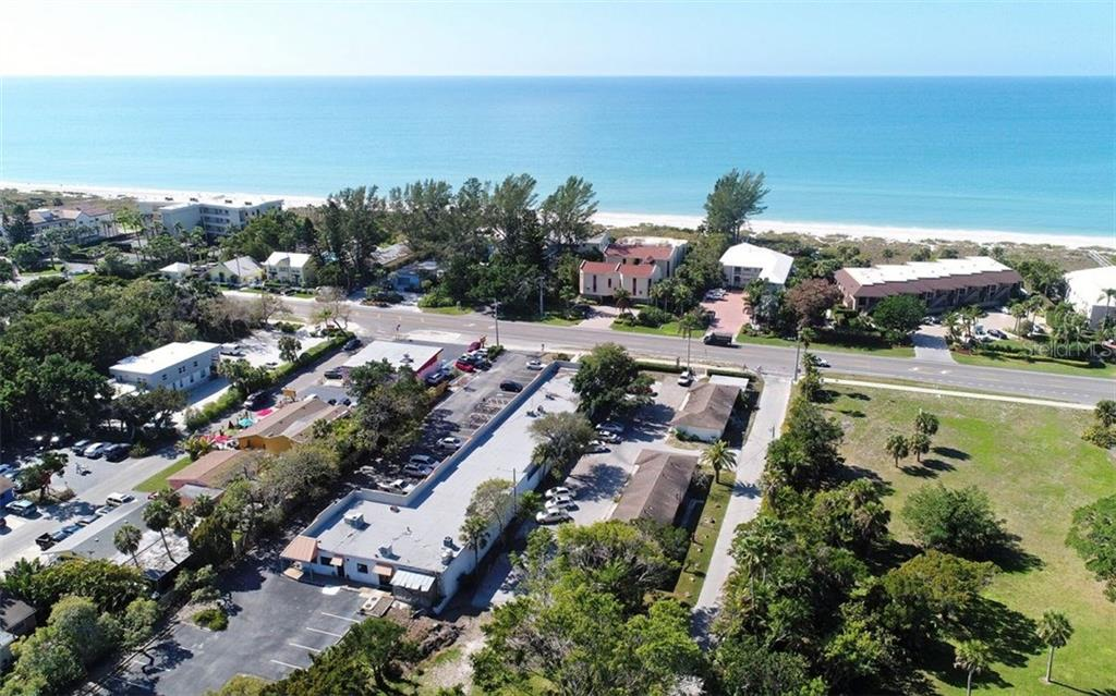 Additional photo for property listing at 5610 & 5620 Gulf Of Mexico Dr #1 5610 & 5620 Gulf Of Mexico Dr #1 Longboat Key, Florida,34228 United States