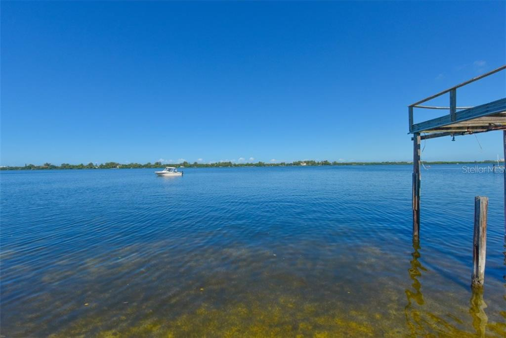 Additional photo for property listing at 50 W Bay St 50 W Bay St Osprey, Florida,34229 Estados Unidos