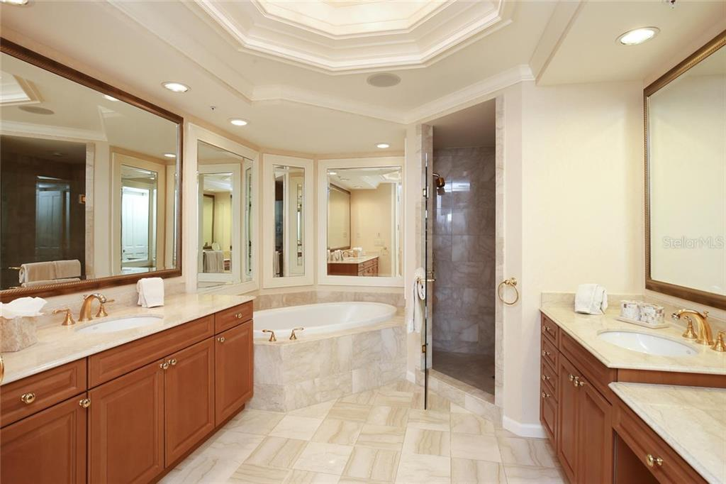 Additional photo for property listing at 35 Watergate Dr #1206 35 Watergate Dr #1206 萨拉索塔, 佛罗里达州,34236 美国