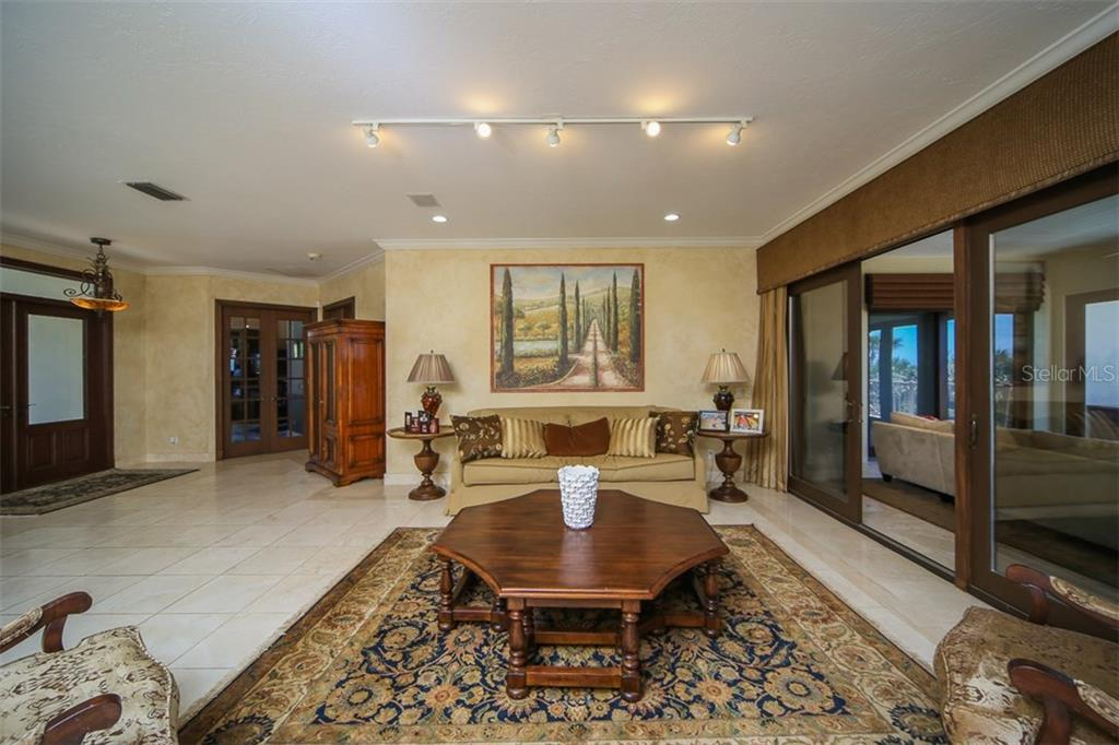 Additional photo for property listing at 4808 64th Dr W 4808 64th Dr W Bradenton, Florida,34210 United States