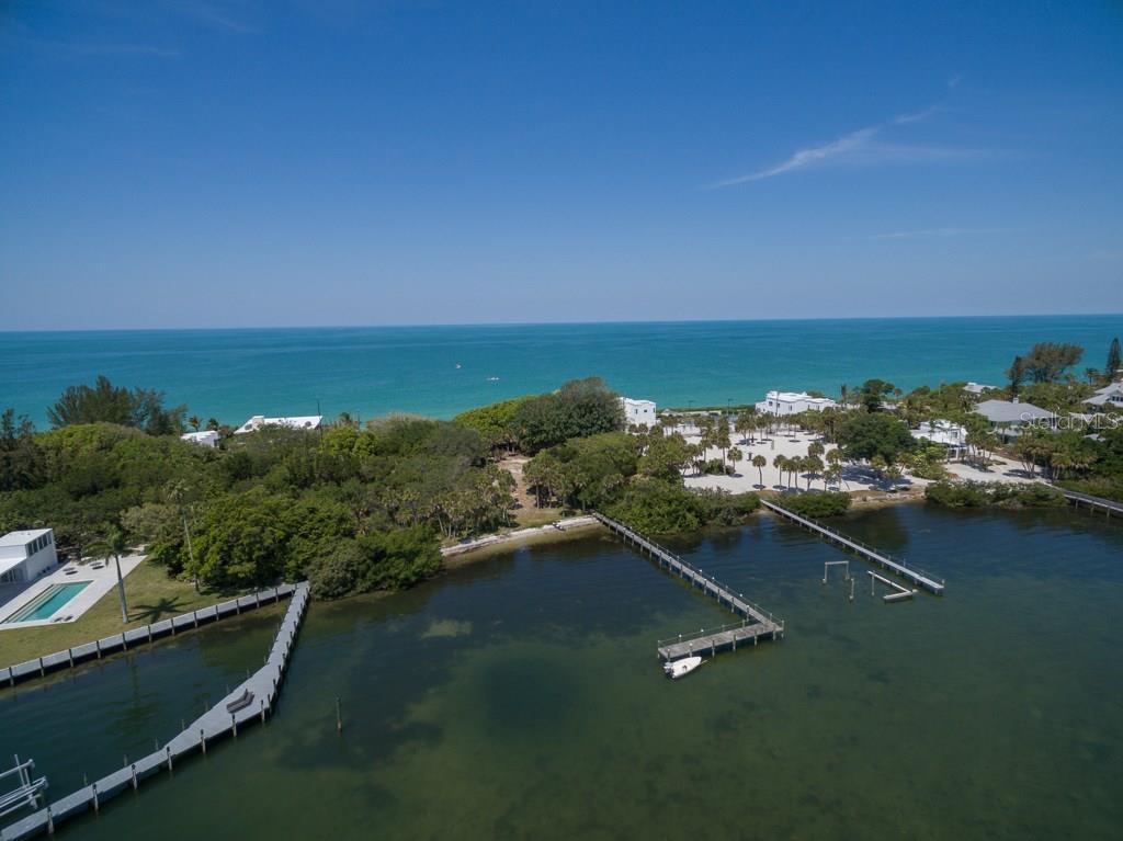 Additional photo for property listing at 332 N Casey Key Rd 332 N Casey Key Rd Osprey, 佛羅里達州,34229 美國
