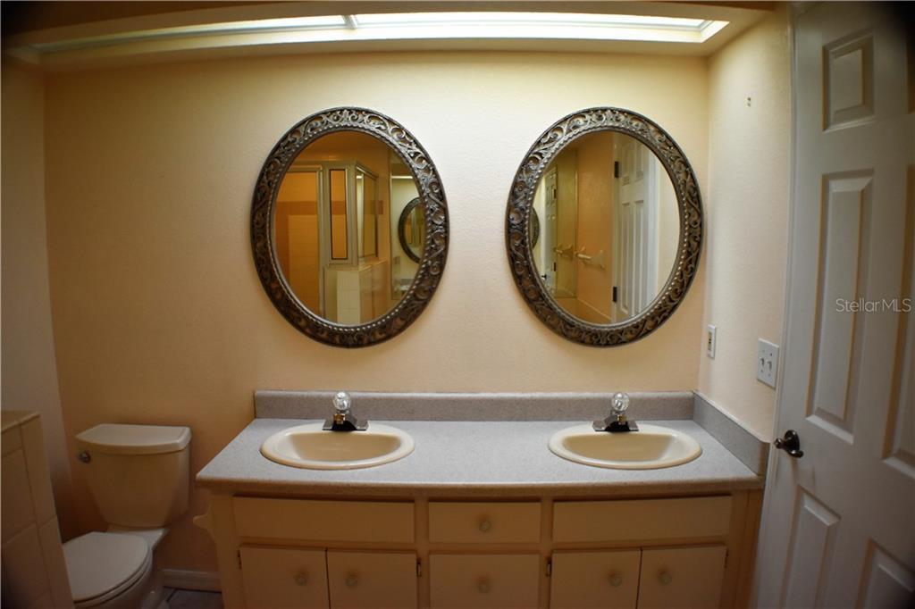 Bathroom Vanities Lakeland Fl 1412 covey cir s, lakeland, fl 33809 - mls a4191153