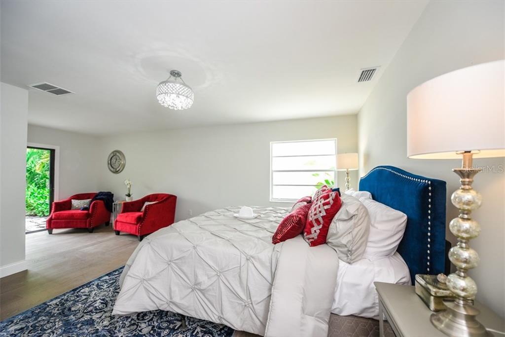 Additional photo for property listing at 47 N Washington Dr 47 N Washington Dr Sarasota, Florida,34236 Vereinigte Staaten