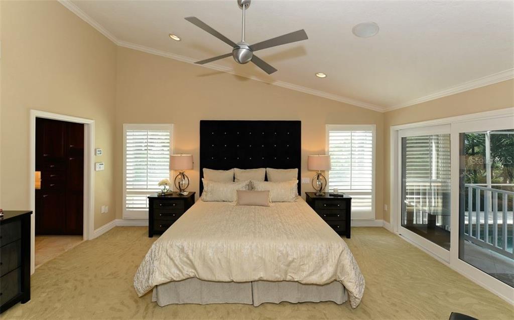 Additional photo for property listing at 3461 Bayou Sound 3461 Bayou Sound Longboat Key, Florida,34228 Hoa Kỳ